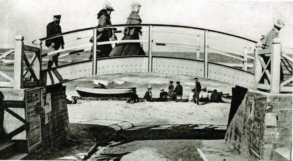 Photographie de la première passerelle